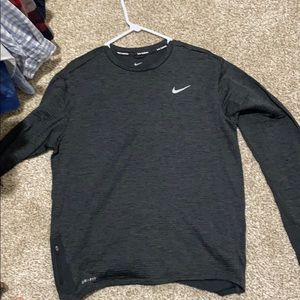 Large Nike Men's black Long Sleeve running T-shirt